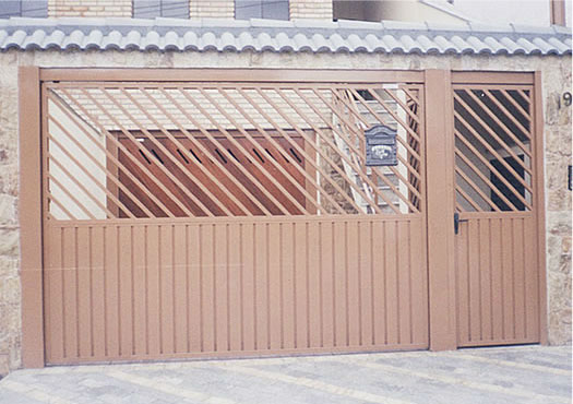 Portões de lambril em aço galvanizado